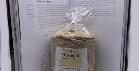 Set-Musmehl-und-Rezept-Schwarzer-Brei-aus-Buch-Hunger-ist-der-beste-Koch