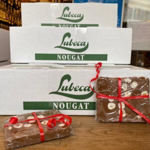 Lubeca-NG-NussNougat-mit-ganzen-Nüssen-im-Block-2,5kg-Auslage