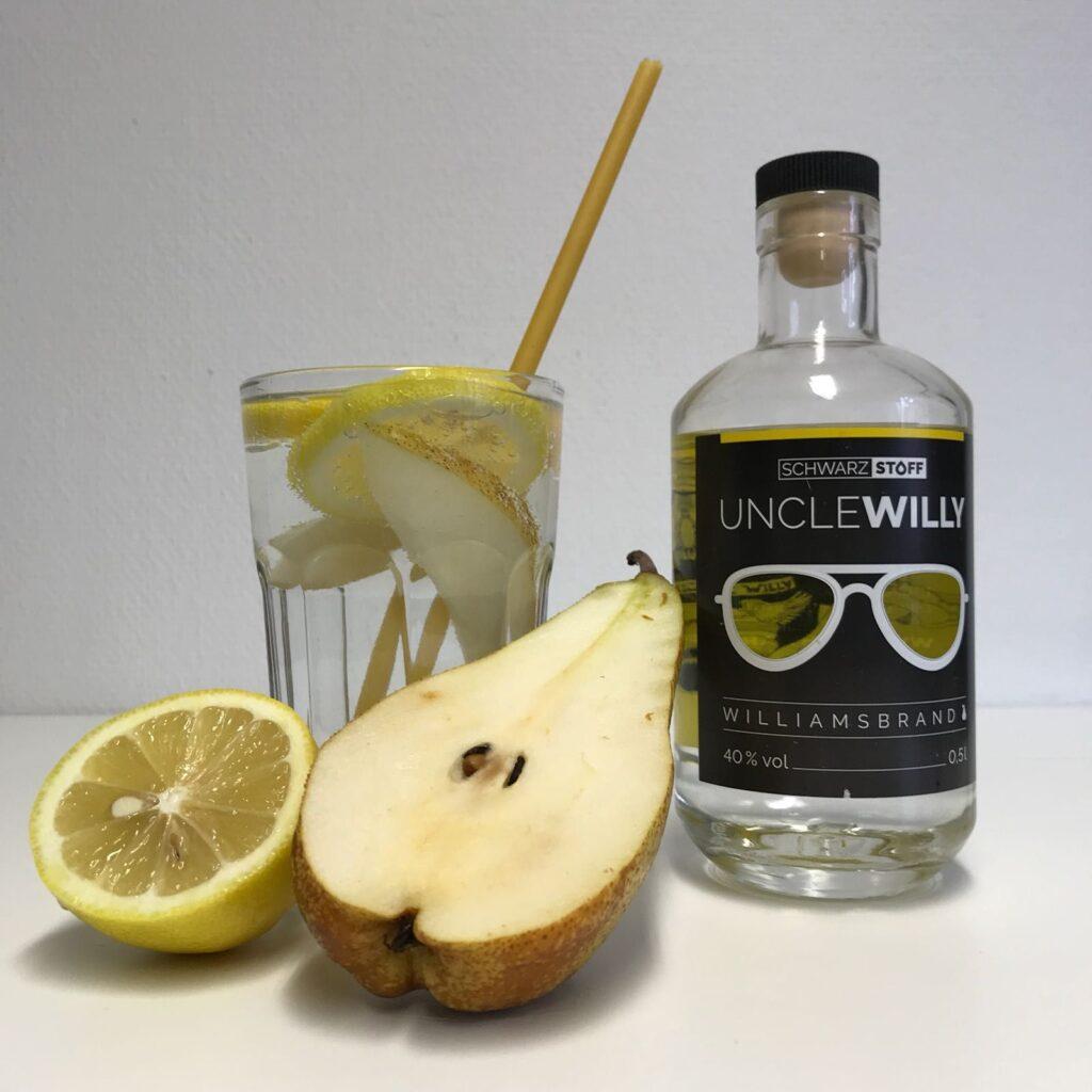 willy-fizz-cocktail-mit-schwarzstoff-uncle-willy